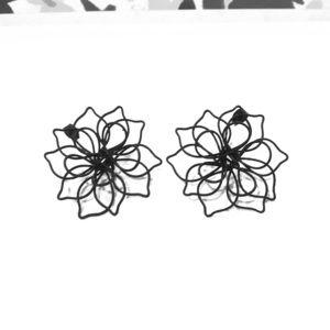 Black wire flower earrings! Bundle me for offer!